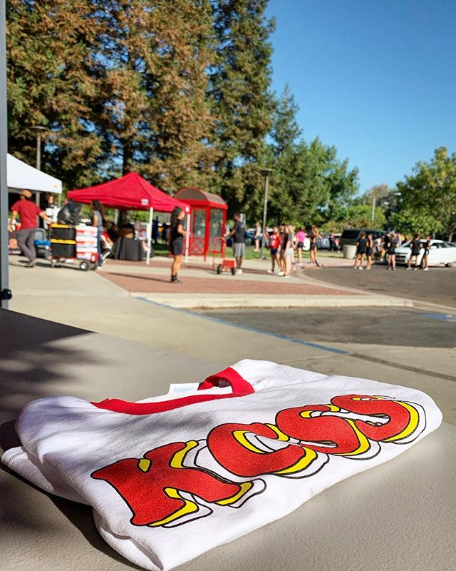 Today's #moveinday is going great, comeout and say hi 👋🏼 #kcssradio #collegeradio #csustan #stanstate #turlock