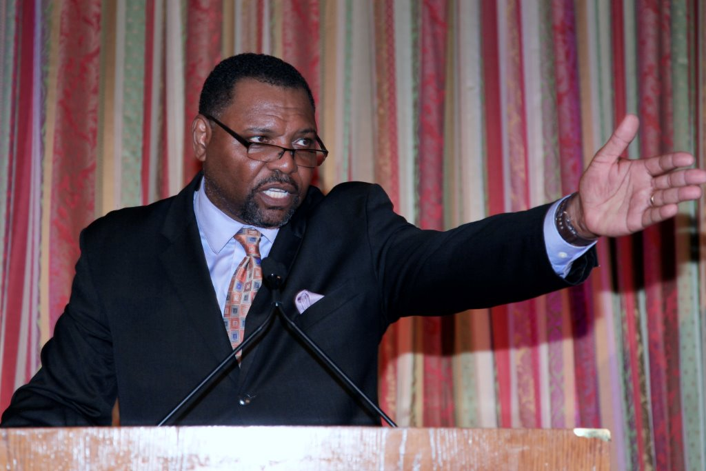 Justice Awards Master of Ceremonies Petri Hawkins-Byrd (an actor known for hisrole as bailiff on the television court program Judge Judy.