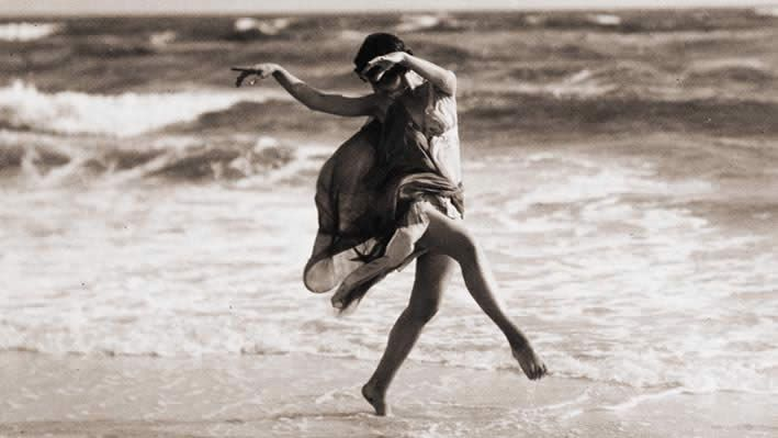 Isadora Duncan... photo by Léon Bakst  I simply could not love this more...