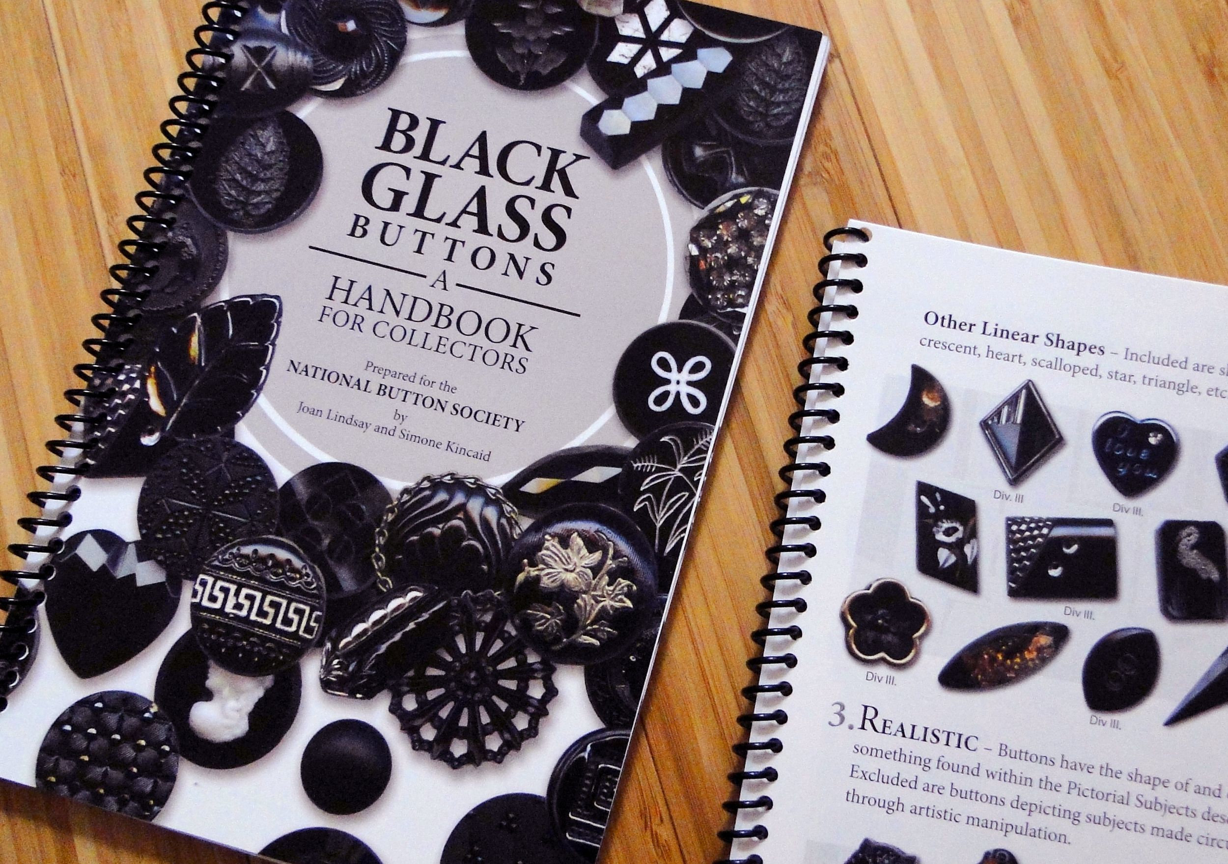 Black Glass Buttons: A Handbook for Collectors