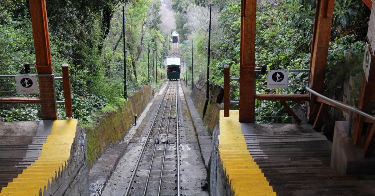 Funicular-de-Santiago-1.jpg