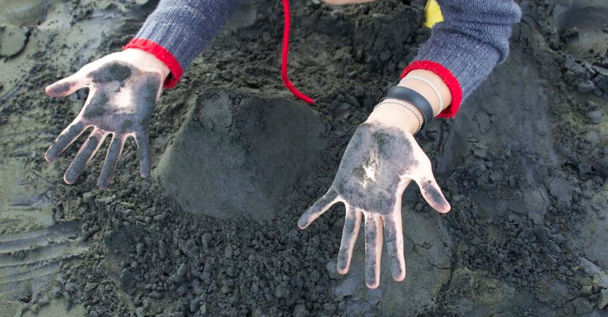 2-blacksand.jpg