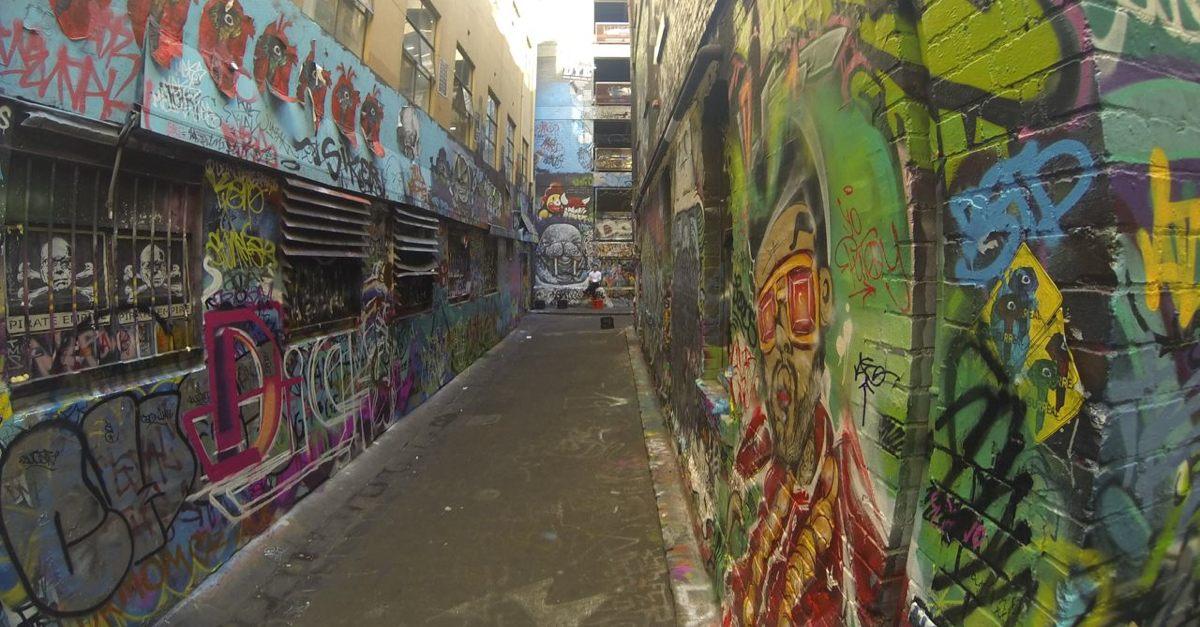 Side alley off Hosier Lane
