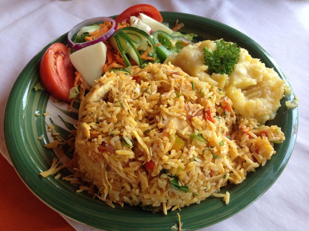 """""""Tipical"""" food (arroz con pollo) at a soda"""