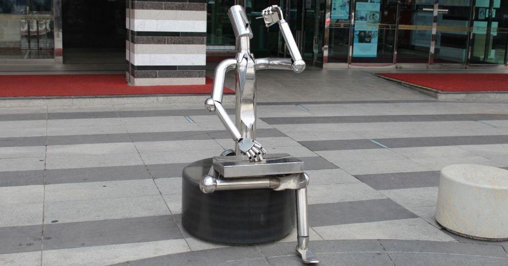 Street Art: Silver Businessman
