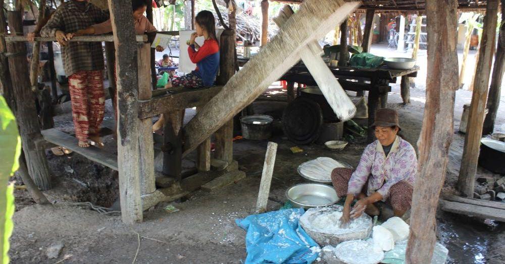 Making Rice Flour