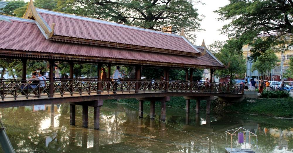 Bridge over the river Siem Reap