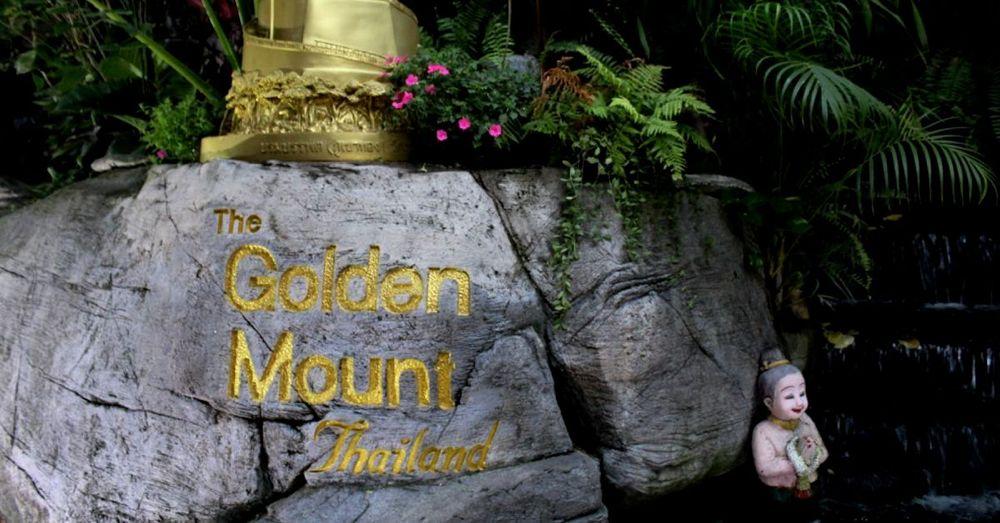 Up to Golden Mount (Wat Saket)