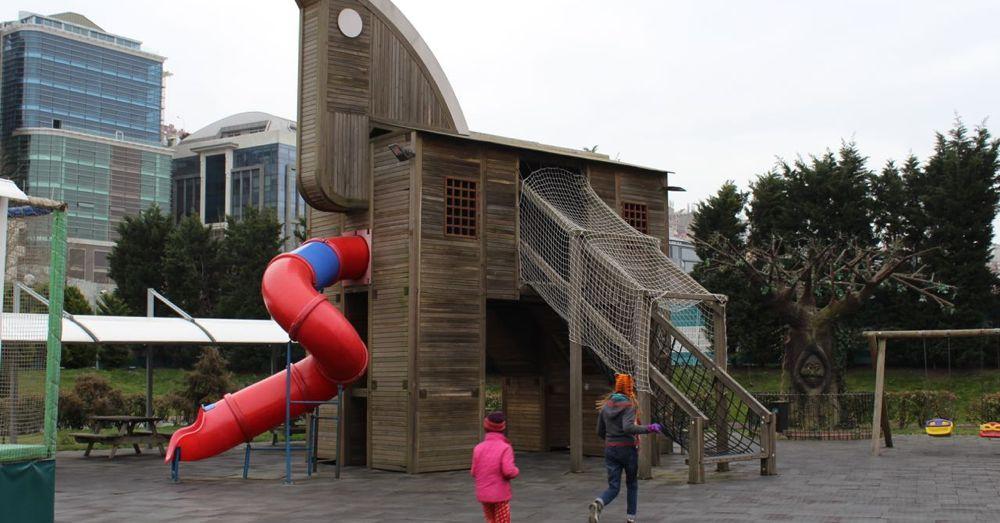 Trojan Horse Play Area