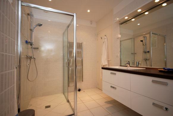 MAS-2-bathroom-3.jpg