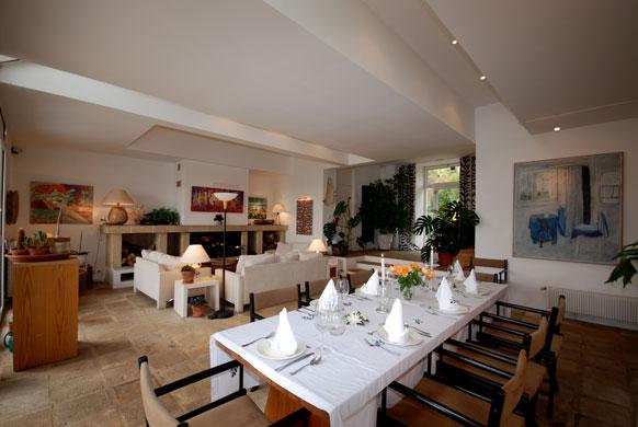 MAS-1-dining-lounge.jpg