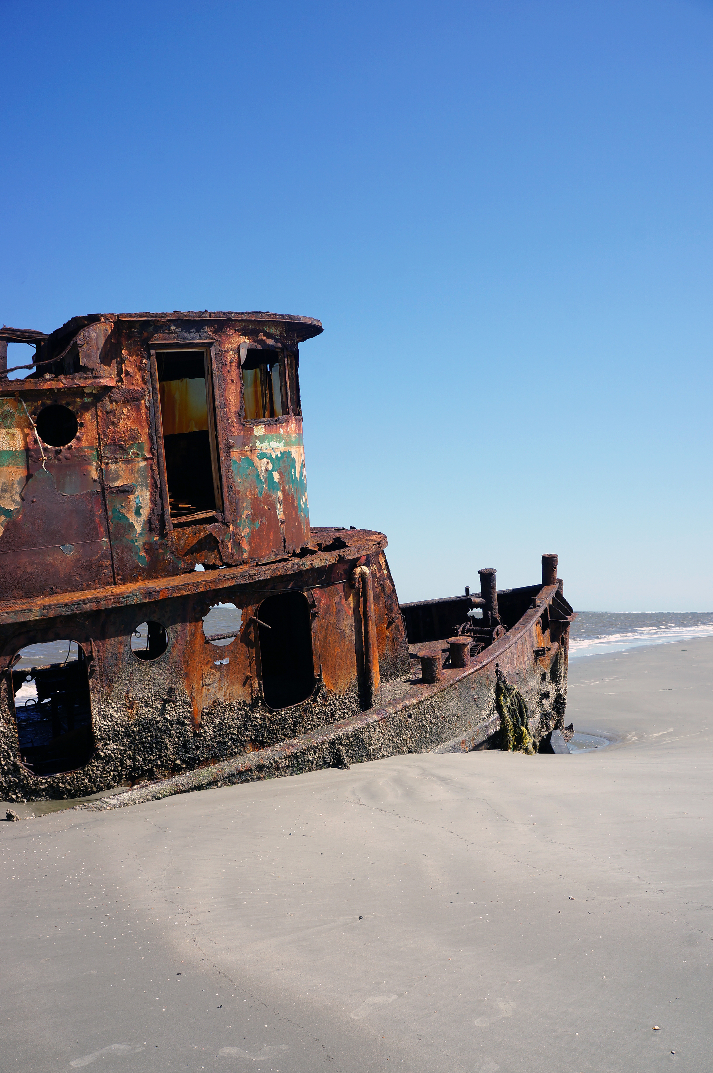 IOA_LSSI_Rusted_Tugboat.jpg