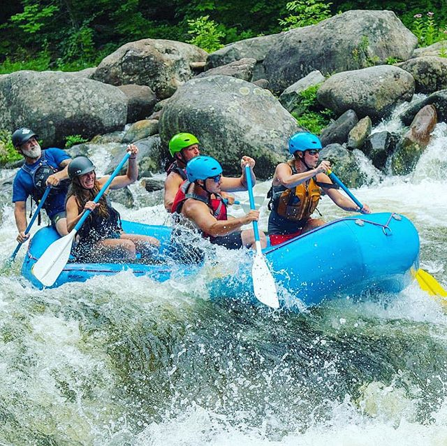 Another day of beauty, doing what we #love. When we experience the true joy of being in the moment, in #nature, it's pure magic. 🌊🌊🌊(...) . . . . #whitewater #river #rafting #adventure #lovewhatyoudo #dowhatyoulove #today #getoutside #natureheals #recovery #doit #sober #tbt #adventurerecovery #guidelife #ar #arteam #instagood 📷 @takeahike413 🙏