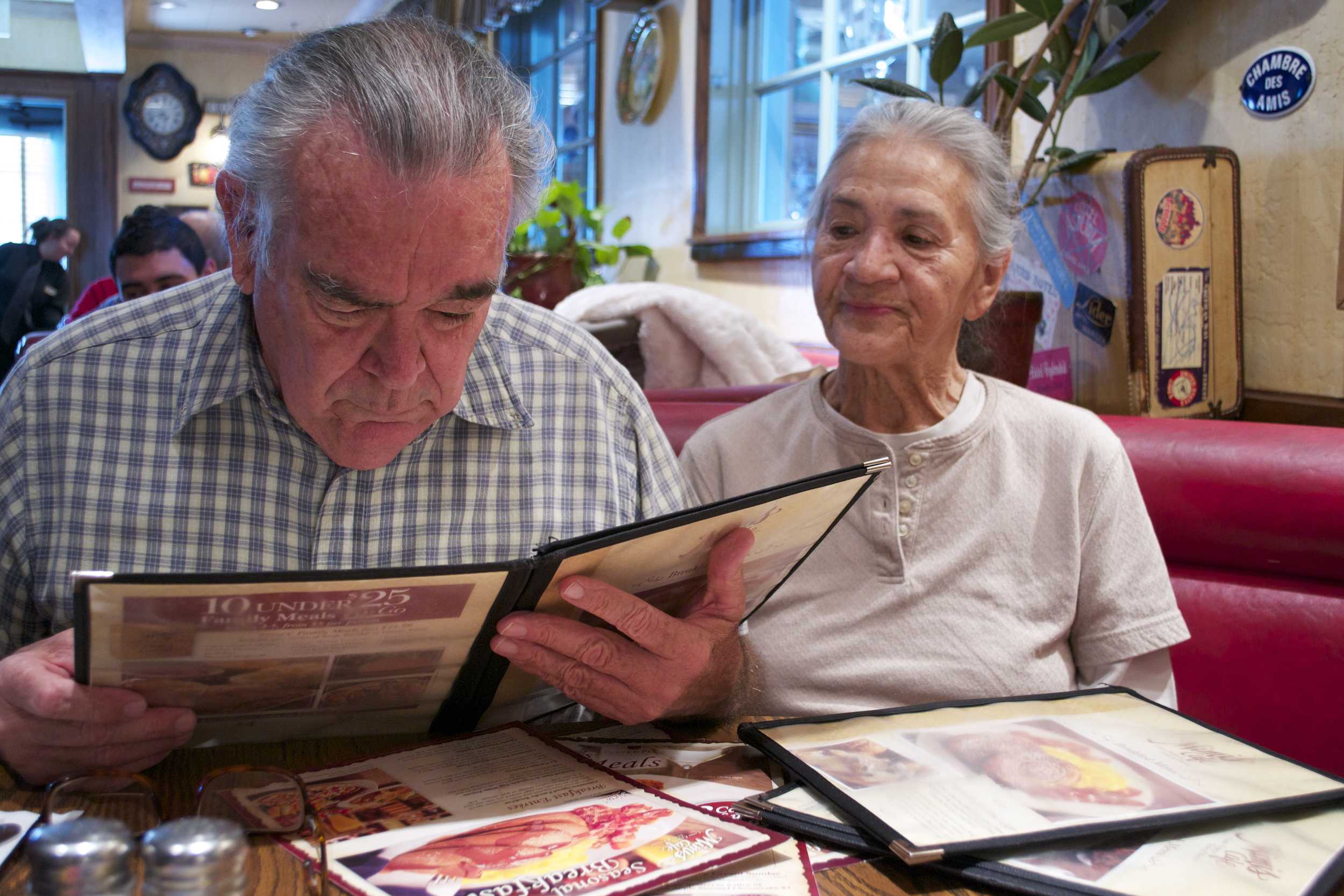 Roland often takes Gladys to Mimi's Cafe for breakfast because she enjoyed doing it in the past. © Nigar Fatali