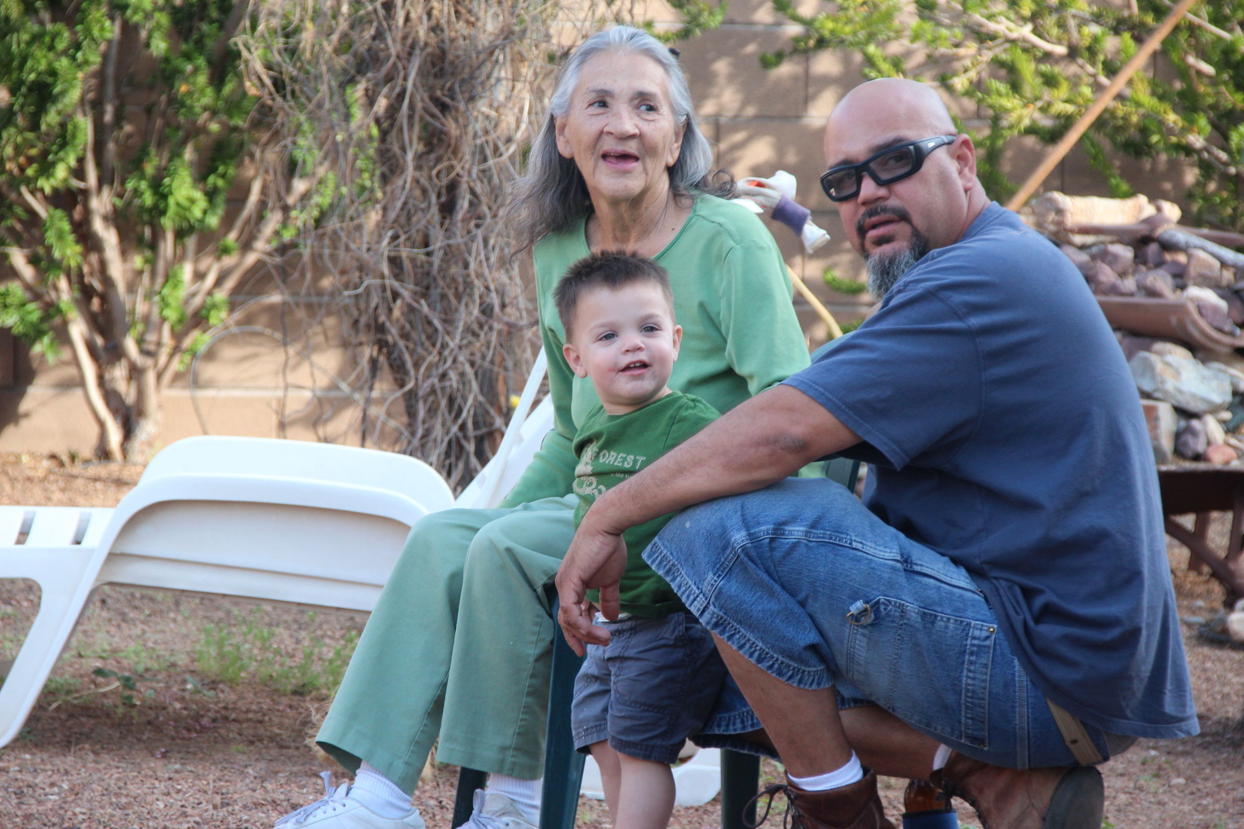 Gladys enjoys the company of her son Roland Jr. and great-grandchildren. © Nigar Fatali