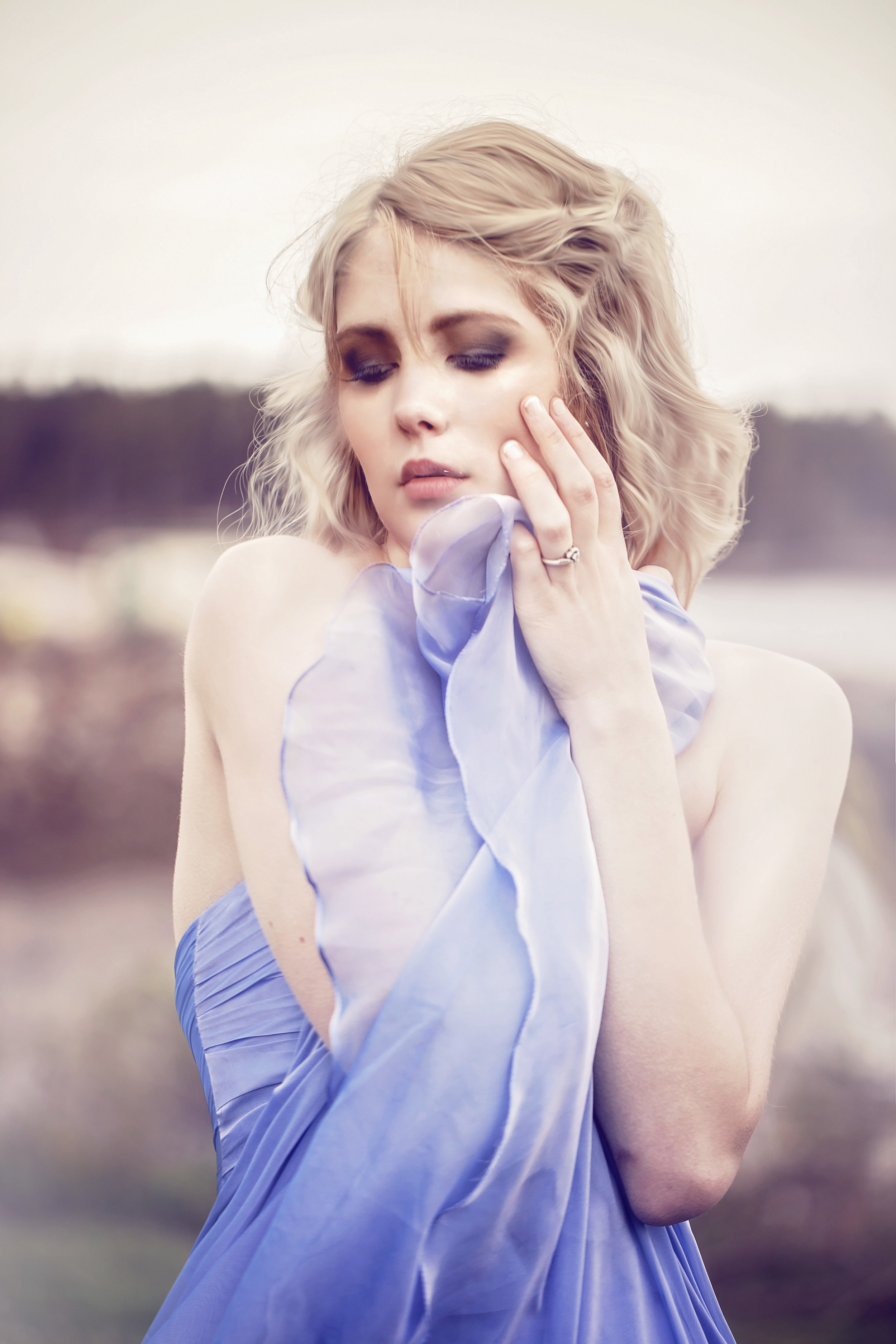 Blonde-dreamy-dreamworld-red bank-photo-cate-scaglione.jpg