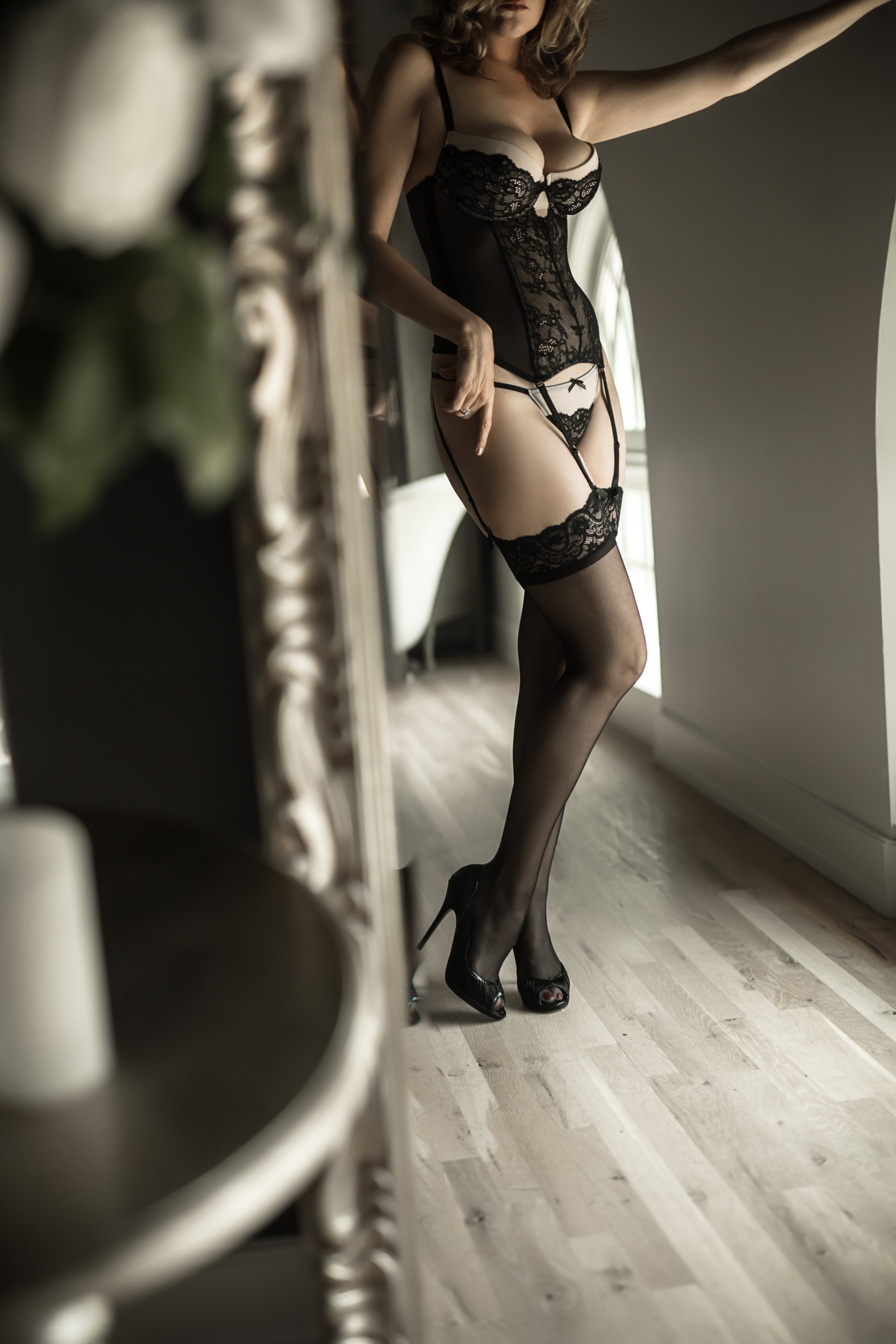 CATE SCAGLIONE-RED BANK BOUDOIR-AMBER (22 of 51).jpg