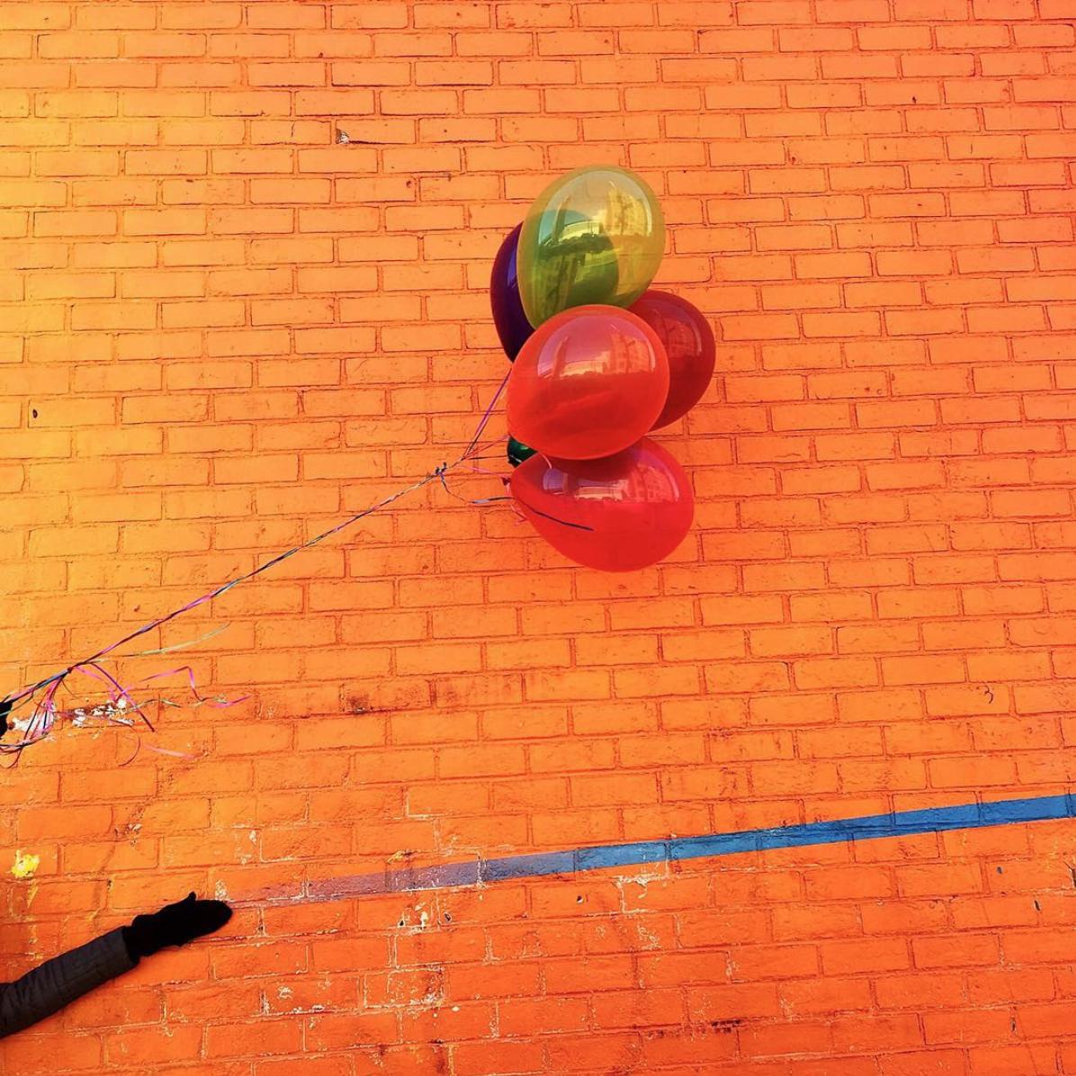 amy_chen_design_brooklyn_art_mural_wall_balloons
