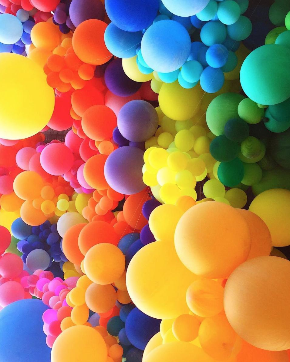 amy_chen_design_geronimo_rainbow_balloons