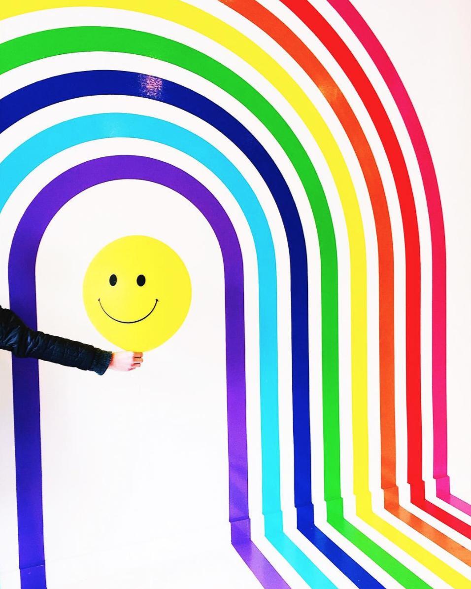 amy_chen_design_flour_shop_happy_face_balloon_rainbow_wall
