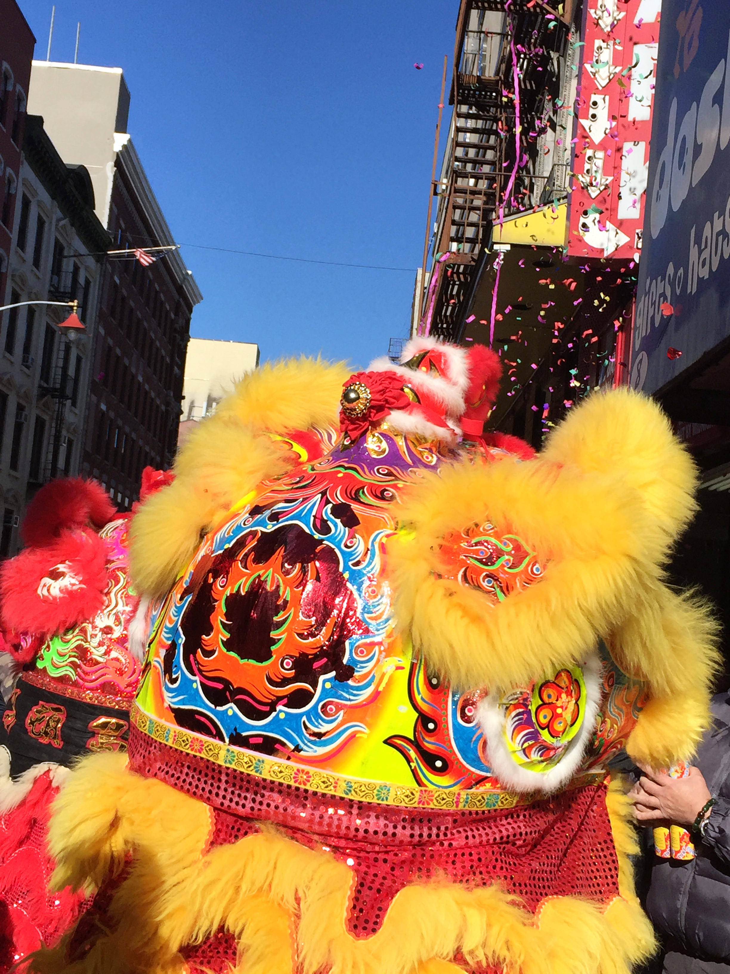 amy_chen_design_chinatown_nyc_food_guide_dragon_dance.JPG