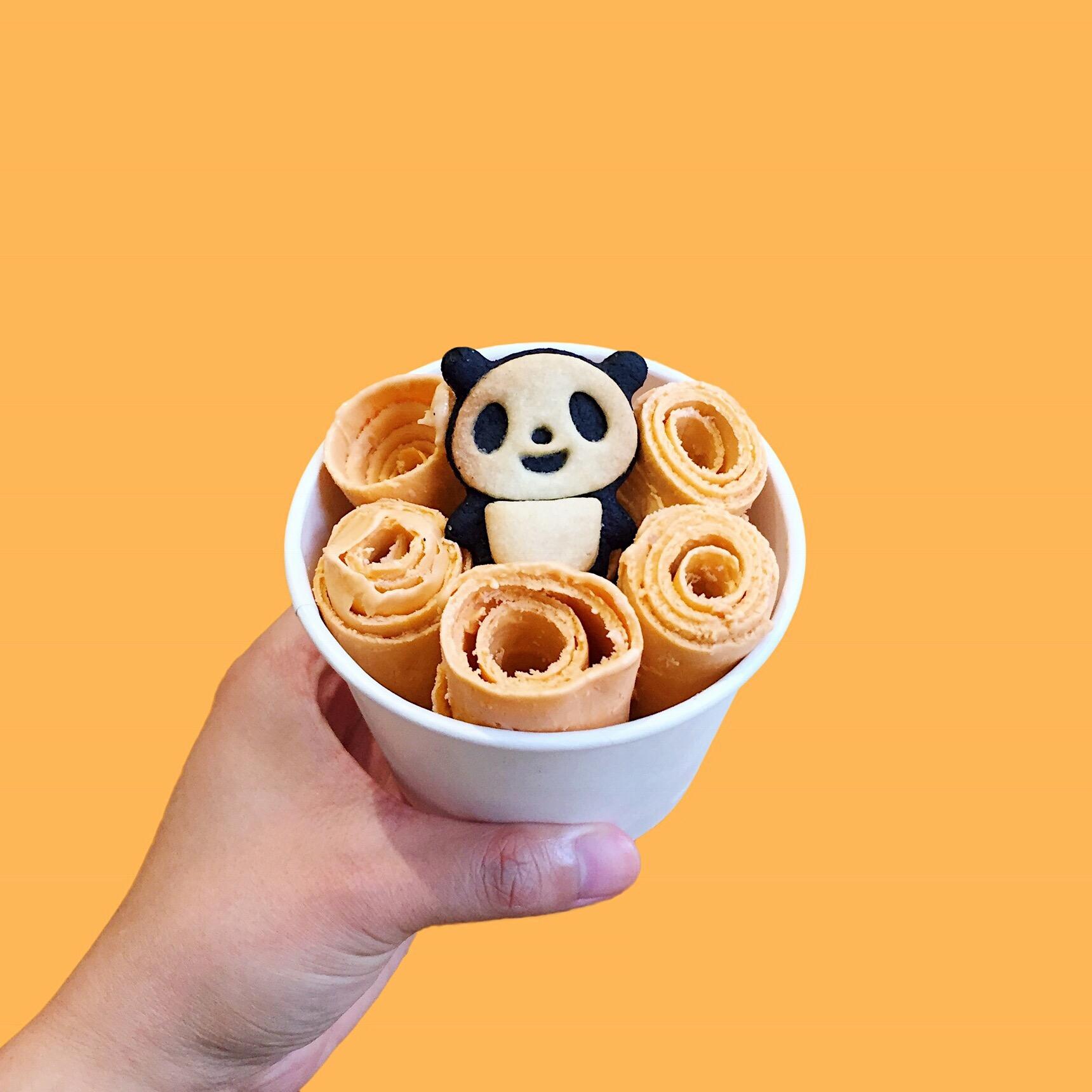 amy_chen_design_chinatown_nyc_food_guide_frozen_sweet_ice_cream_rolls.jpg