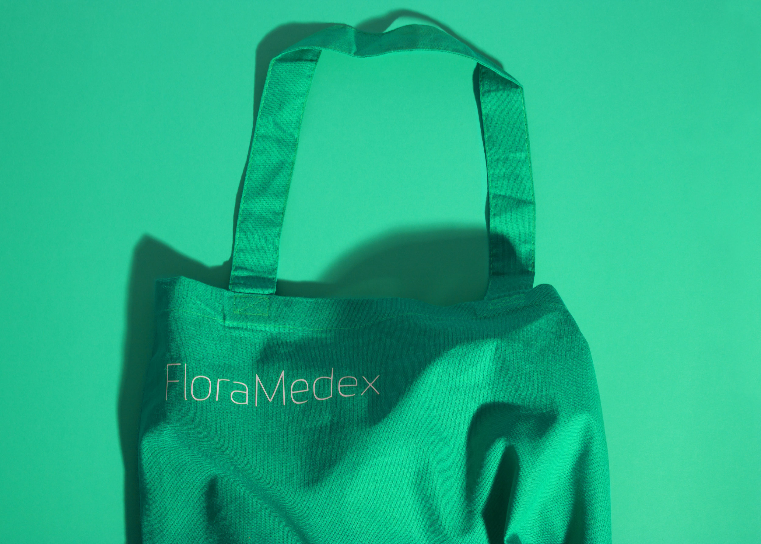 LAT_Floramedex_Apron.jpg