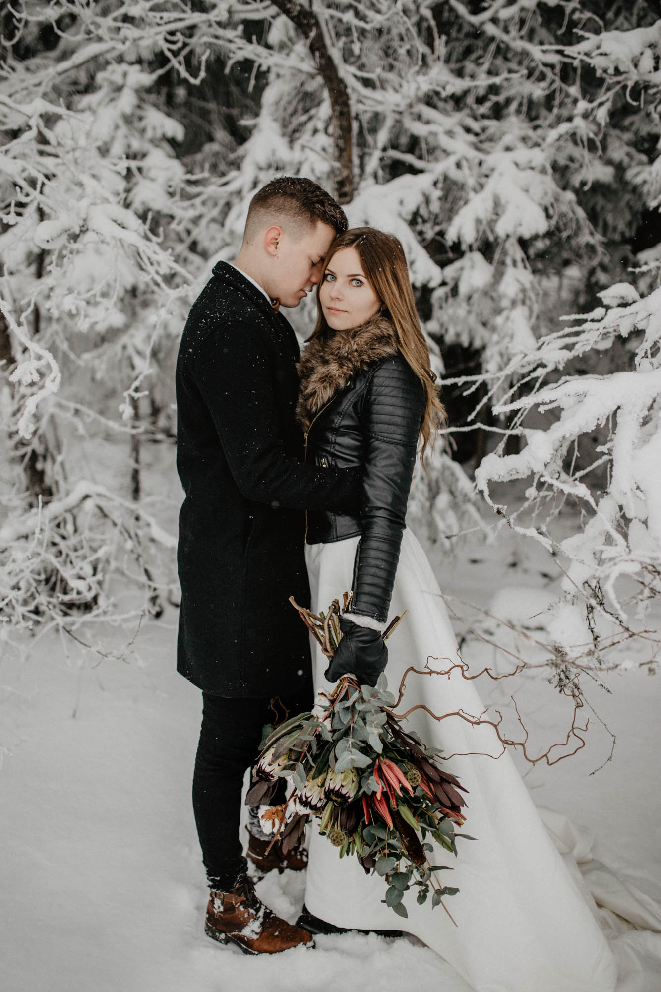 ashley_schulman_photography-winter_wedding_tampere-8.jpg