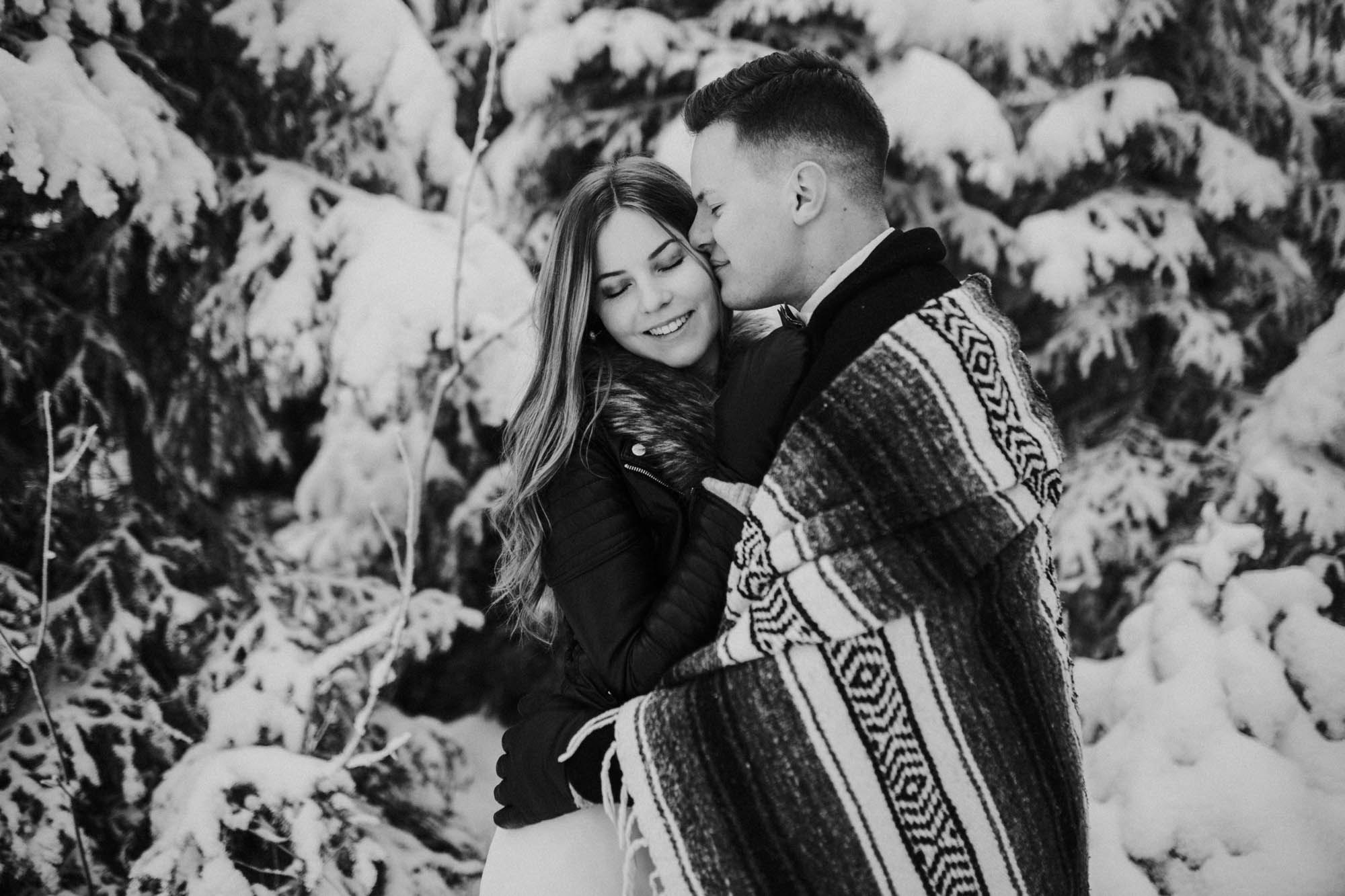 ashley_schulman_photography-winter_wedding_tampere-34.jpg