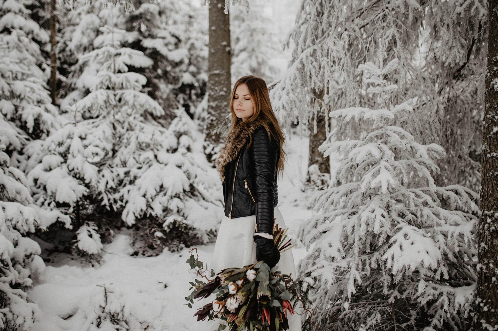 ashley_schulman_photography-winter_wedding_tampere-37.jpg