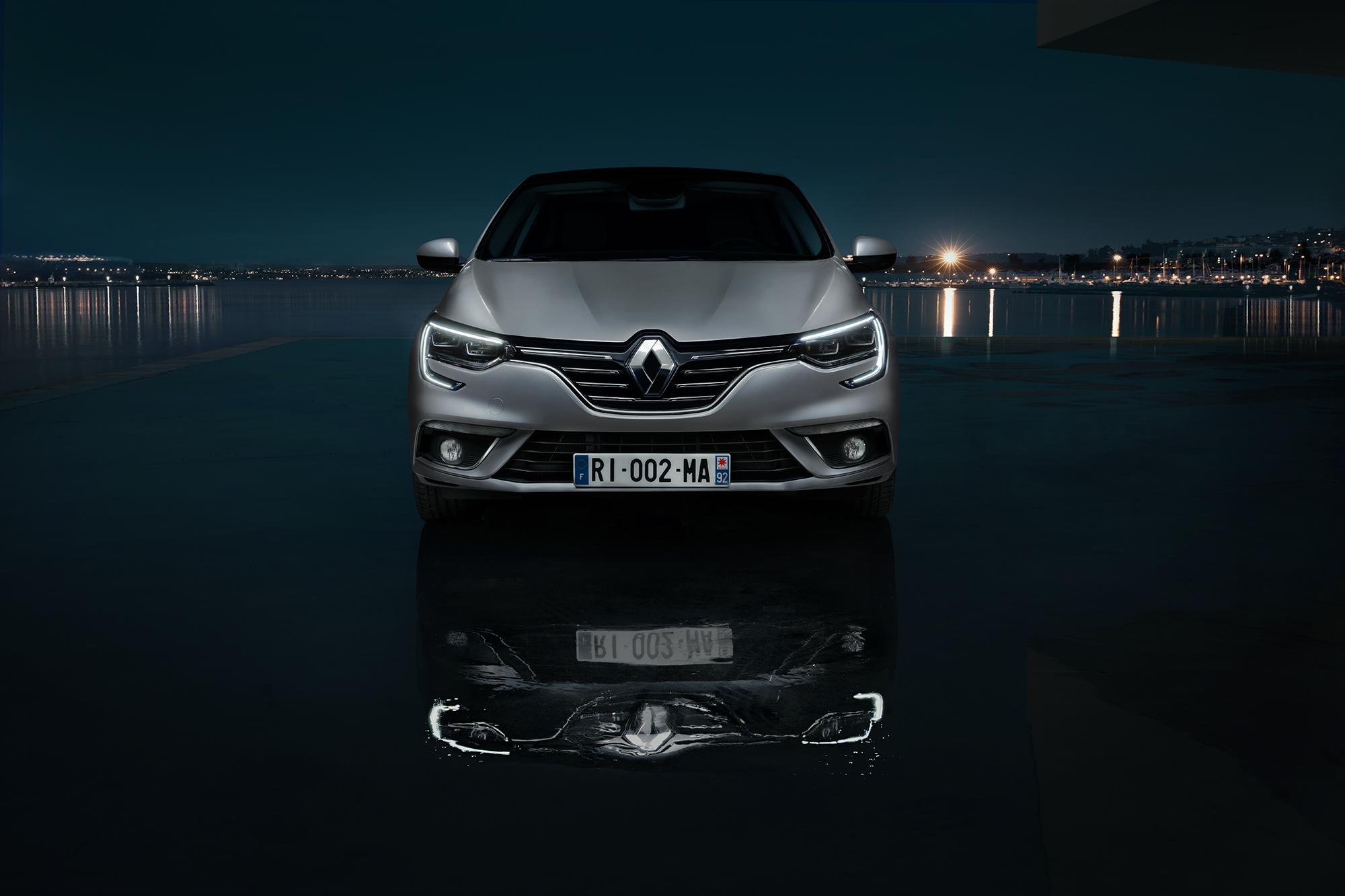 Renault_Megane_Lights_Front_01_WHT_PRESS_SML.jpg
