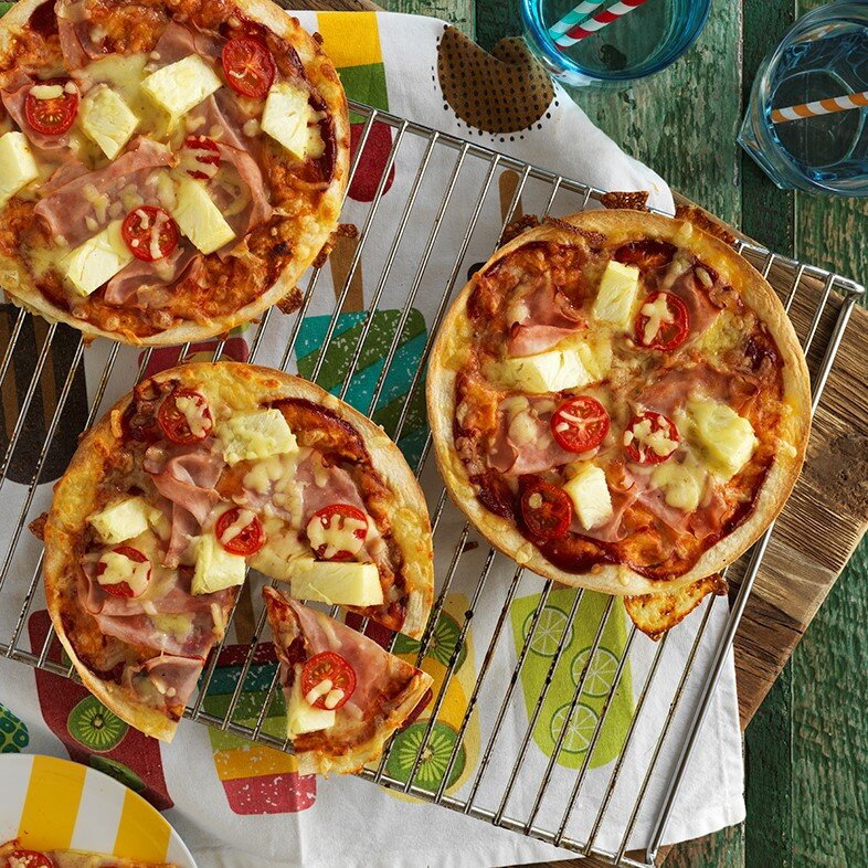 CHEESY MINI PIZZAS