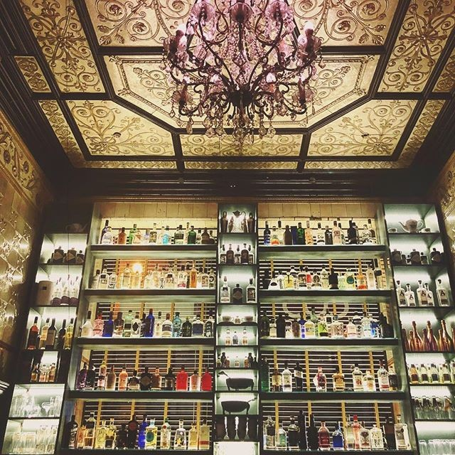 Name a more photogenic spot in Glasgow... we'll wait! Our original gin emporium at 71 Renfield Street is still looking as beautiful as ever! ✨  Stunning shot by @suelag 📸