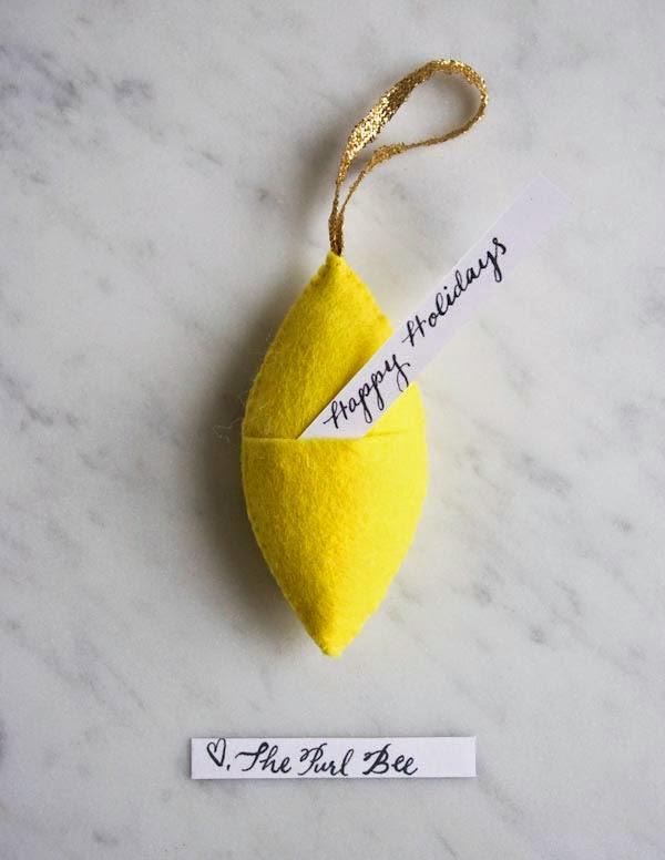 felt-ornament-gift-tags-600-14.jpg