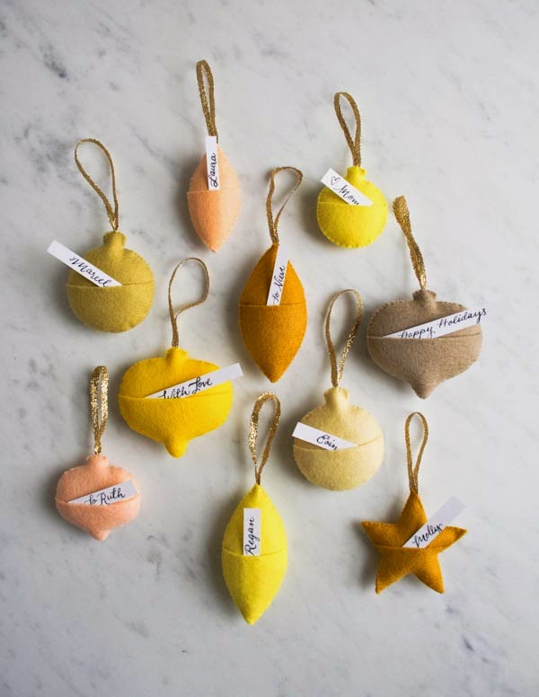 felt-ornament-gift-tags-600-17.jpg