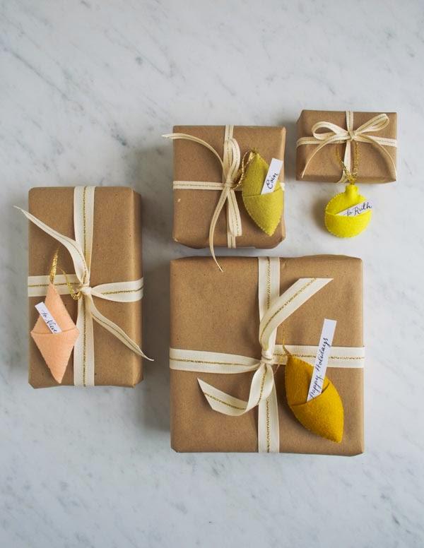 felt-ornament-gift-tags-600-5.jpg