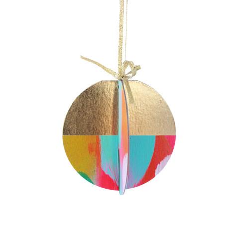 Ornament_Aurora_hanging_shopify_grande.jpg