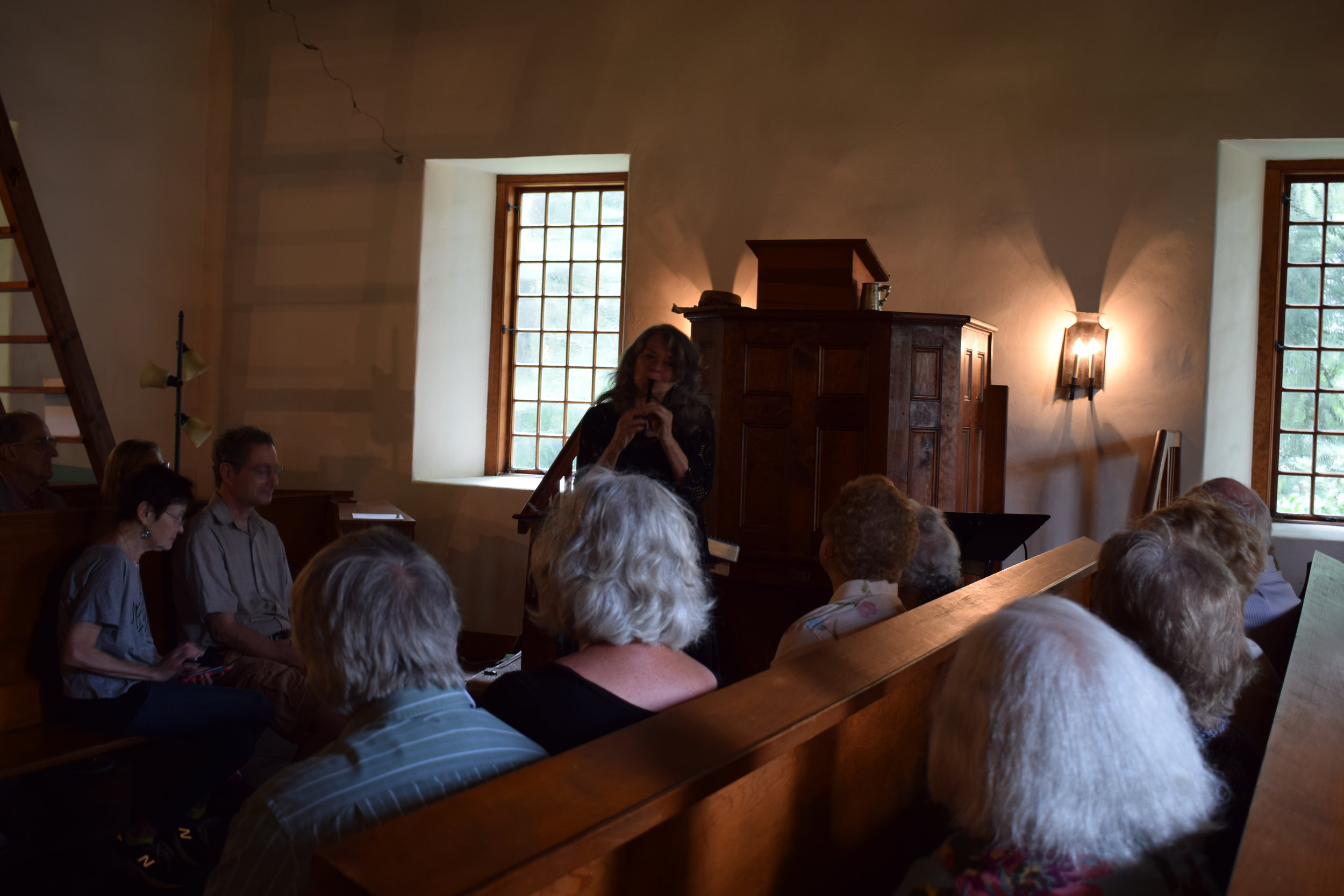 Balladeer Linda Russell performs in the Crispell Memorial French Church