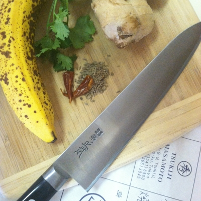 Using my carbon steel knife for the first time to make a favorite recipe, banana curry.