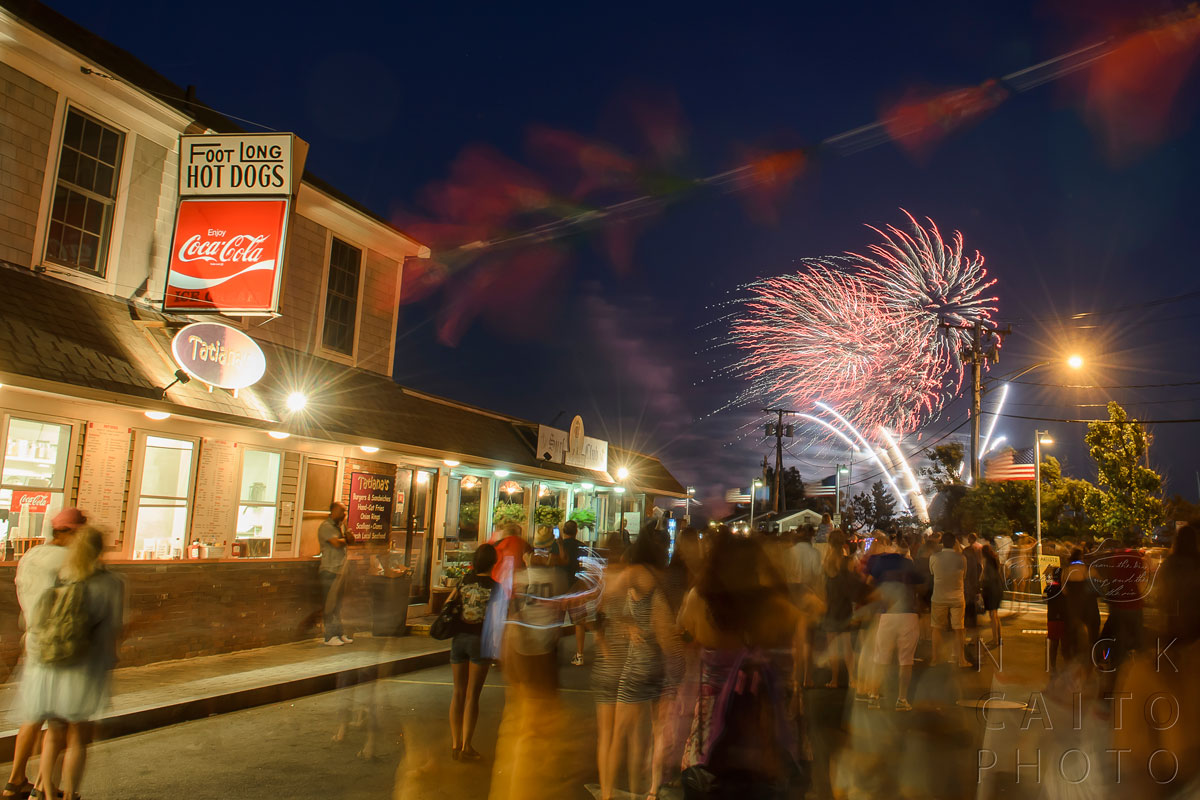 Cool streaks, light nicely balanced. At Provincetown, July 3, 2013. f/8, ISO 100, 4s exposure.