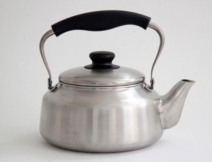 700_yanagi-kettle-silver.jpg