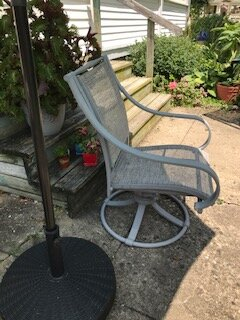 Mom's chair 1.JPG