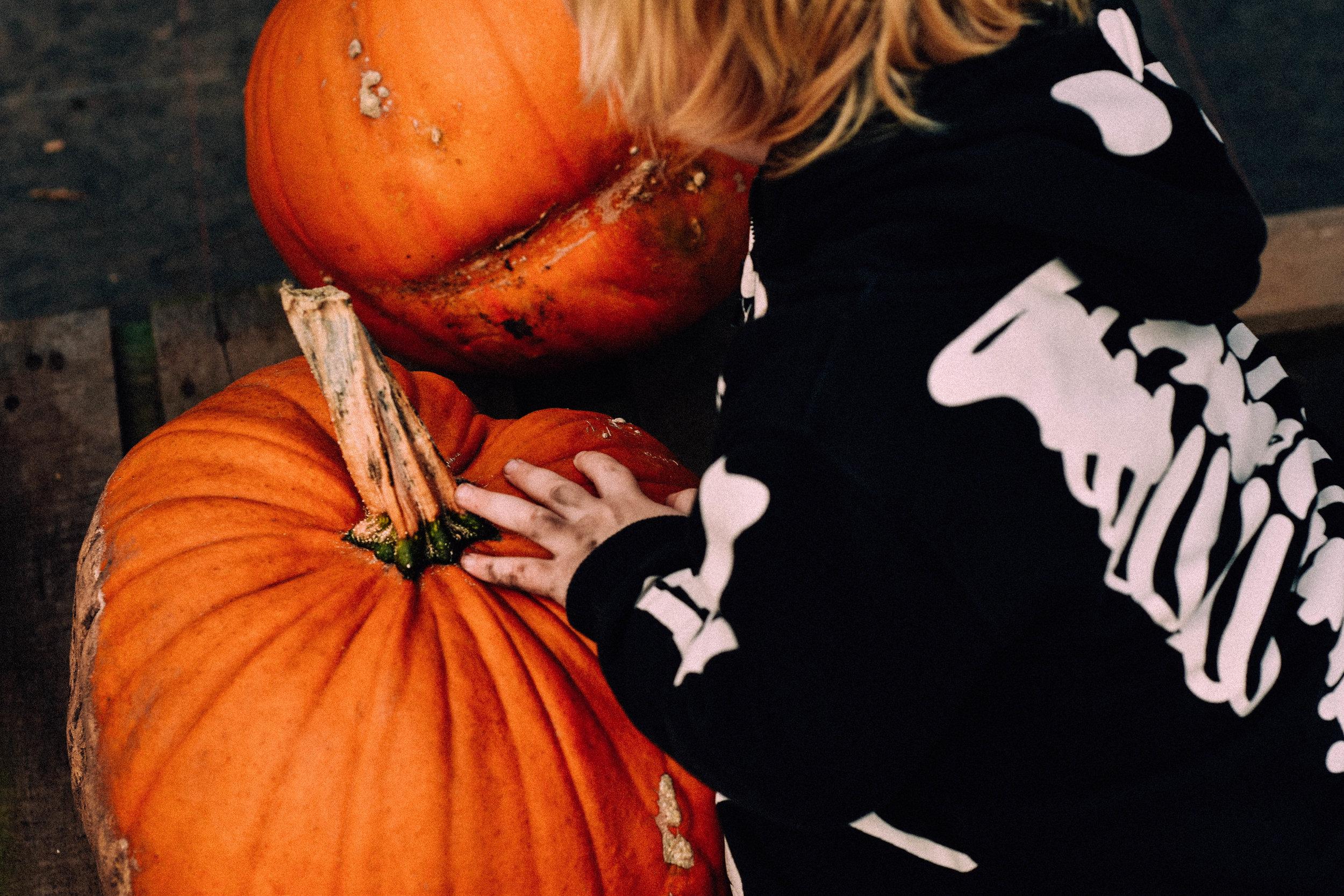 ShannahLauren(Halloween)-2.jpg