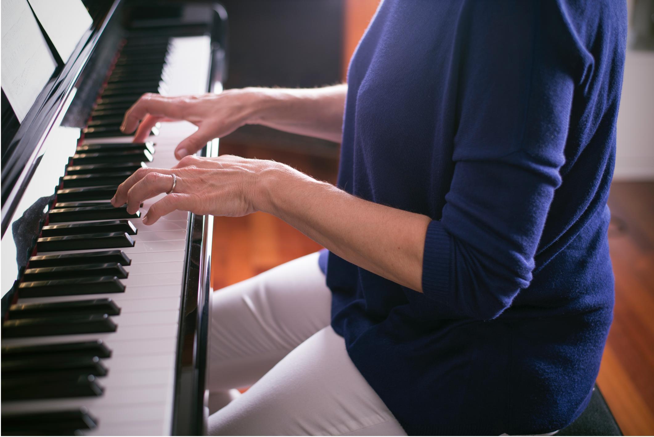 senior piano.png