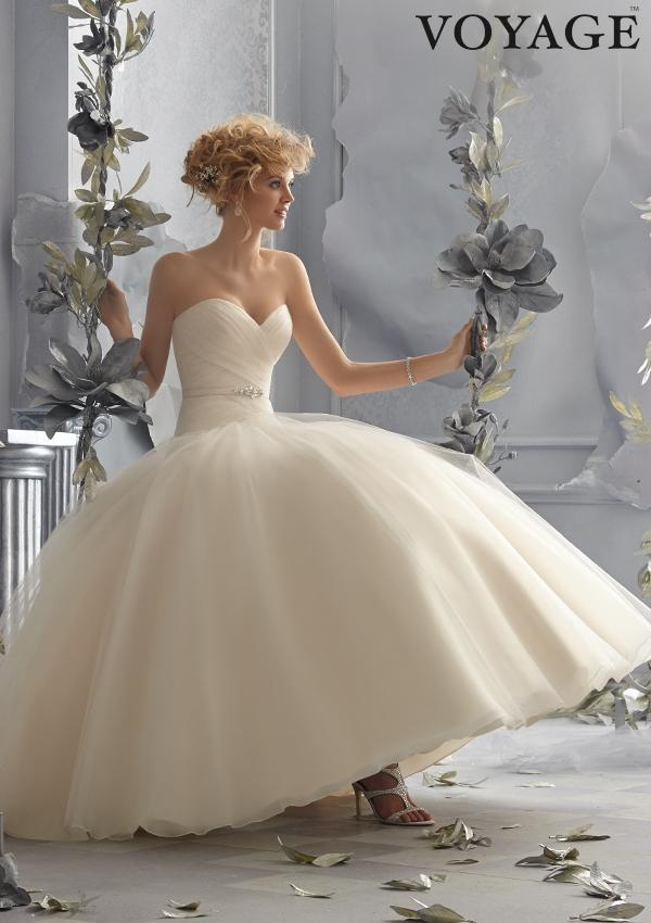 bg_bridals_dresses_voyage_6788_0.jpg