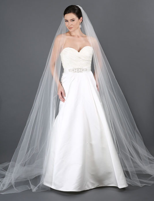 V7179C   Dramatic cathedral veil