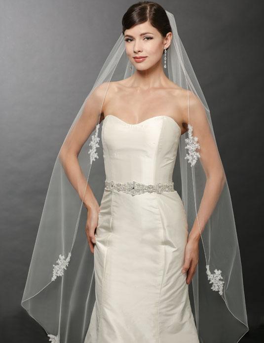 V7251   Lace appliqué veil