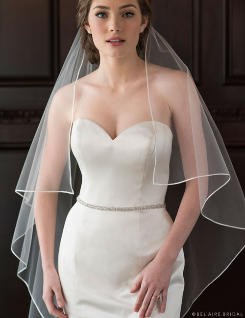 V7371   1-tier waltz length veil with pointed corners