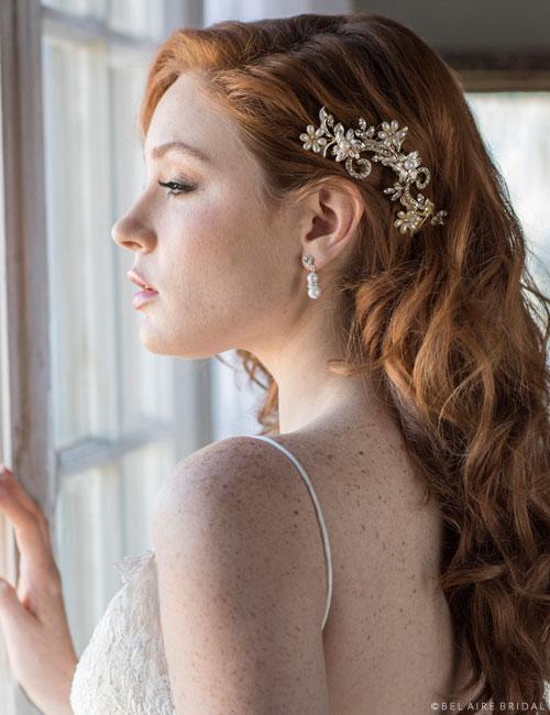 6689   Pearl flower and rhinestone swirl comb