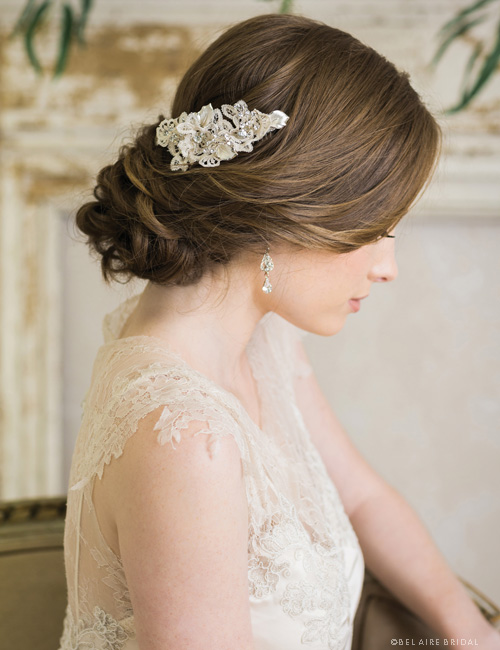 6731      Crocheted lace comb with metal leaves